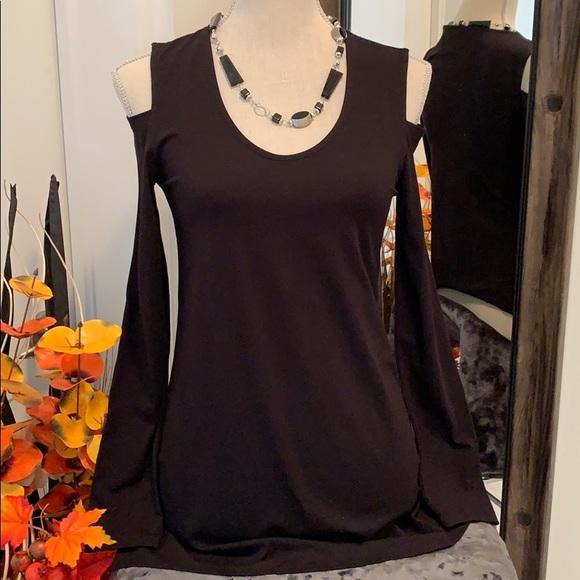 Tops - Black cold shoulder long sleeve Top-Large